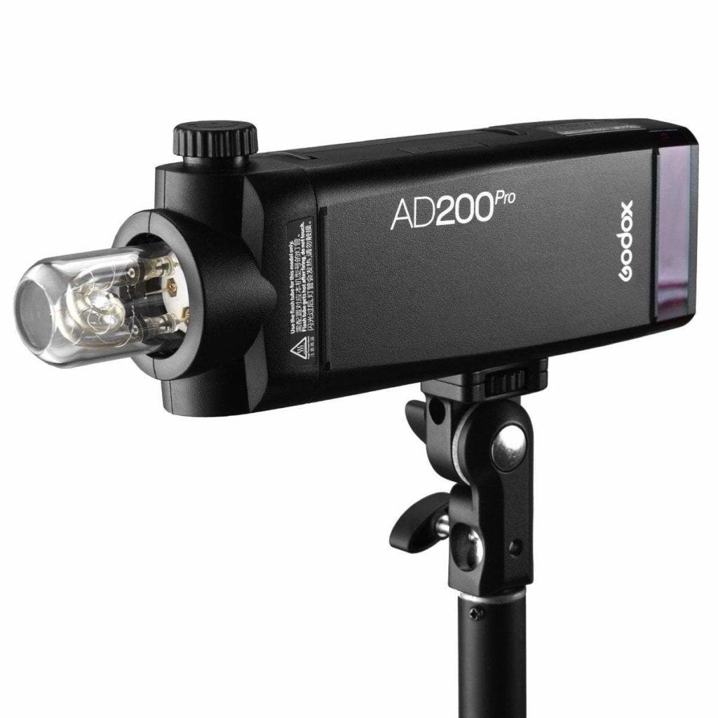 AD200Pro flash godox