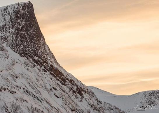 fotografia-di-paesaggio-montagna-innevata
