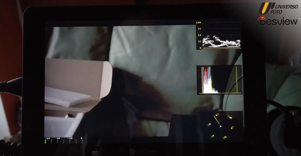 schermo-touchscreen-video-bestview-acceso