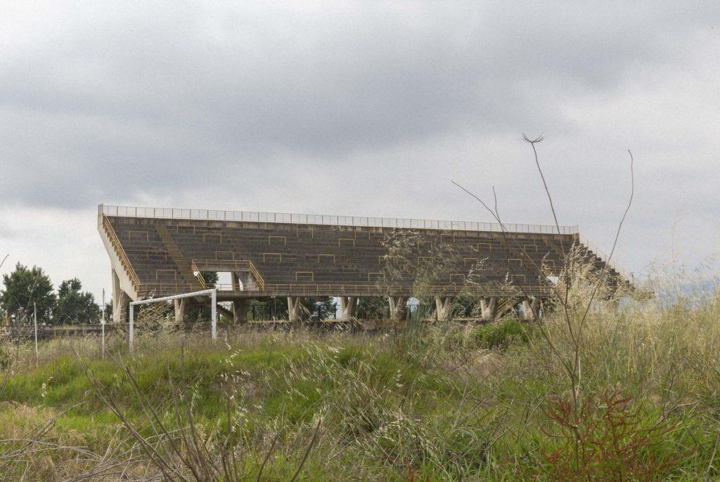 Lamezia_Terme-terra-dei-brvti-abbandono-edilizio-in-calabria