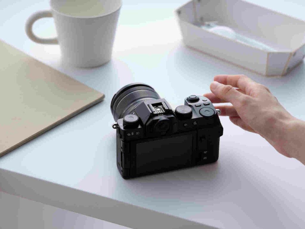 X-S10-nuova-mirrorless-fujifilm
