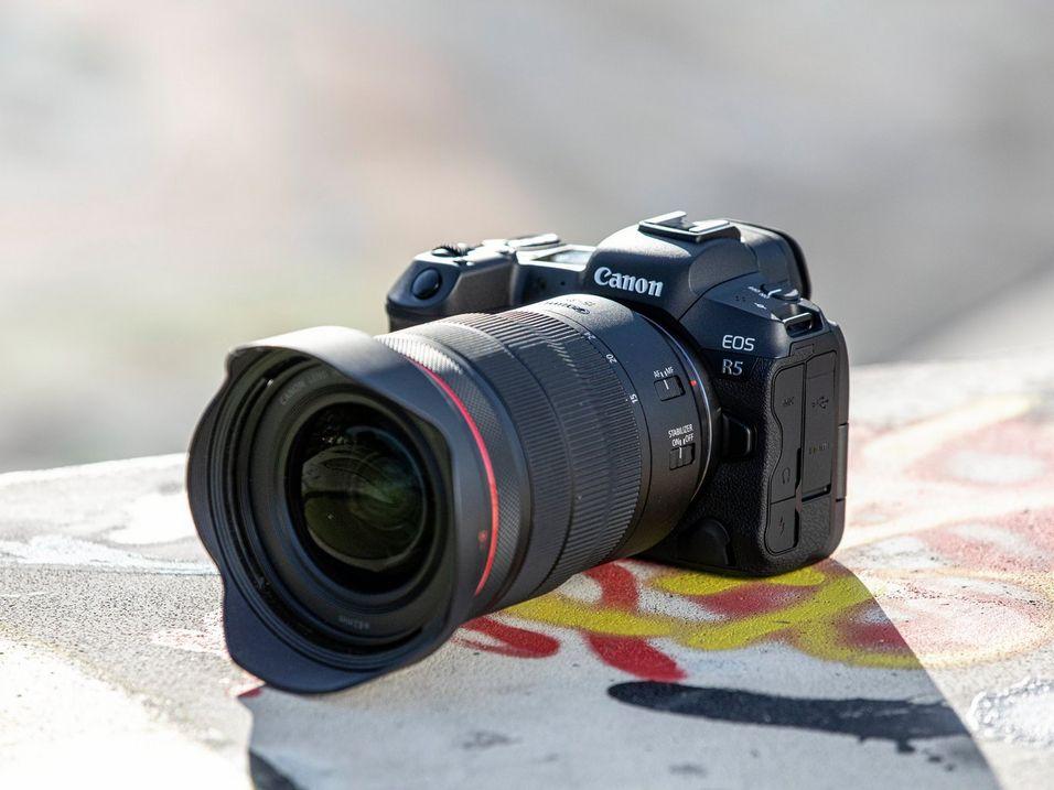 canon-eos-r5-caratteristiche