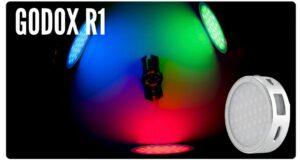 mini-luce-led-rgb-creativa-godox-r1-ev