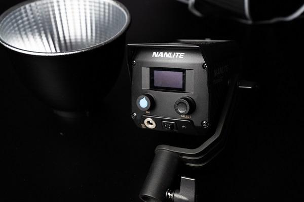 nanlite-forza-60-display-controlli