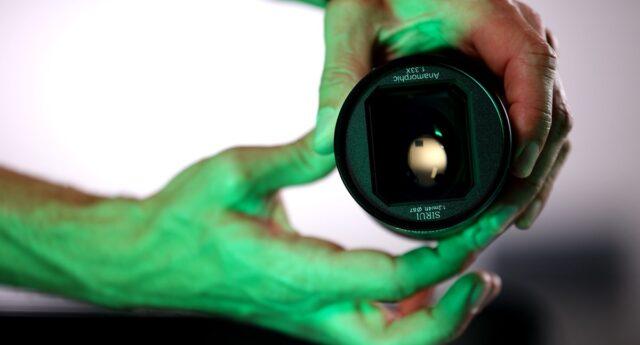 ev-presentazione-lente-anamorfica-sirui-75mm-f1-8